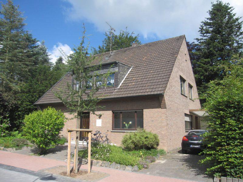 Ein- oder Zweifamilienhaus mit Investitionsbedarf in Zentrum von Niederkrüchten, 41372 Niederkrüchten, Haus