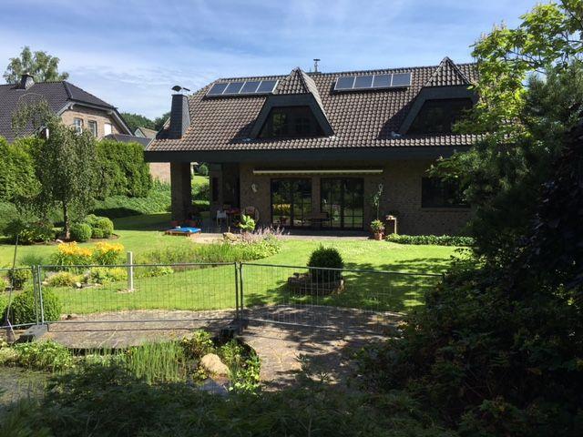 Großzügiges Wohnhaus mit Charme und Charakter im Landhausstil in Niederkrüchten-Overhetfeld, 41372 Niederkrüchten, Einfamilienhaus