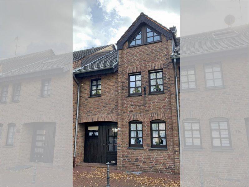 Solides Reihenmittelhaus mit kleinem Garten und großem Dachboden (evtl. Ausbaureserve) sowie Garage in Viersen-Dülken, 41751 Viersen, Reihenmittelhaus