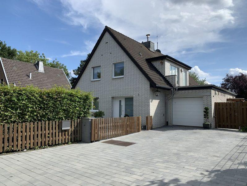 Einfamilienhaus umfassend modernisiert mit sensationellem Ausblick auf das Hanggrundstück in Viersen-Dülken, 41747 Viersen, Einfamilienhaus
