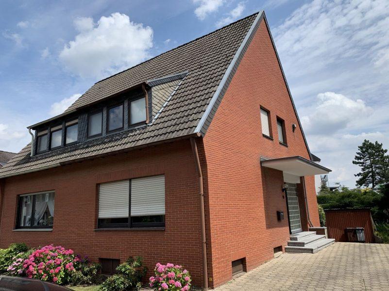 Kleine Doppelhaushälfte mit Investitionsbedarf in Viersen – zwischen Unterbeberich und Wolfskull., 41748 Viersen / Heimer, Einfamilienhaus