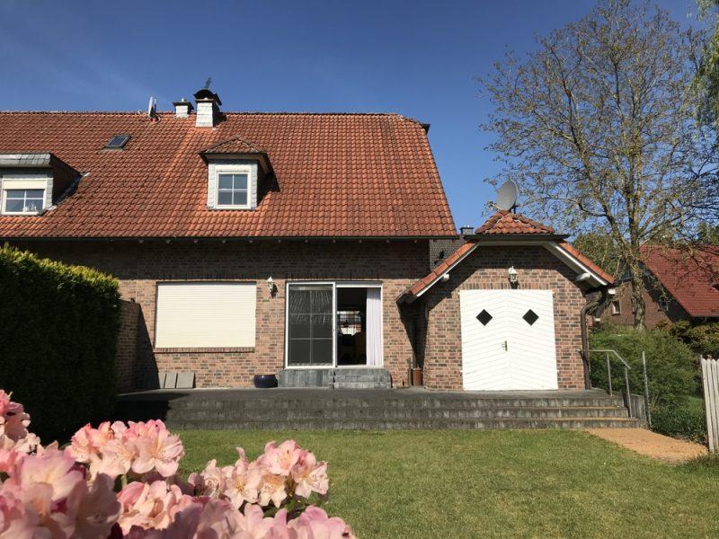 Gemütliches Wohnhaus mit viel Platz und Ruhe in Harikseenähe – aber schnell in Düsseldorf., 41372 Niederkrüchten, Doppelhaushälfte