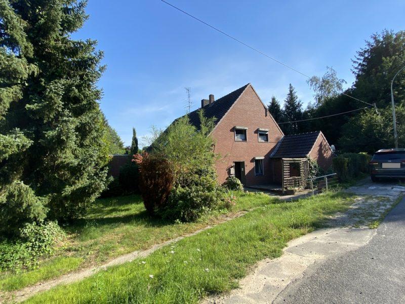 Hexenhaus mit Sanierungsbedarf in ländlicher Randlage von Kaldenkirchen mit kleiner Scheune., 41334 Nettetal-Kaldenkirchen, Einfamilienhaus