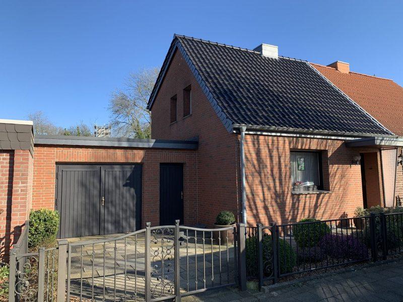 Zentrum Willich: Doppelhaushälfte mit großer Garage & Garten in ruhiger Allee – Erweiterung möglich, 47877 Willich, Doppelhaushälfte