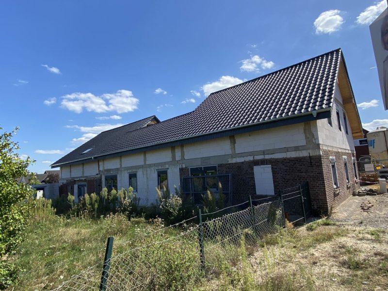 4-Parteienhaus mit kleiner Büroeinheit im Rohbau in Niederkrüchten-Zentrum, 41372 Niederkrüchten, Mehrfamilienhaus