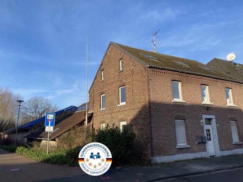 Älteres teilrenoviertes Wohnhaus mit Hallengaragen und ca. 900m² Hofgrundstück, 41334 Nettetal, Einfamilienhaus