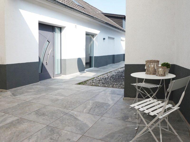 Understatement – Wohnhaus mit ELW – großes Grundstück – spezielle Aufteilung – viele Möglichkeiten., 41844 Wegberg Rath-Anhoven, Einfamilienhaus